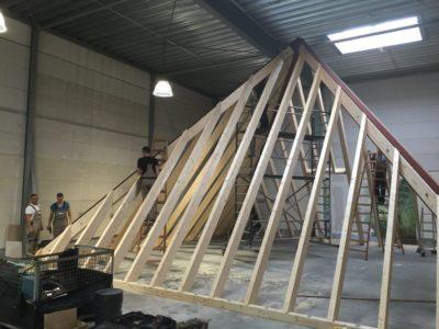 SONDERLÖSUNGEN - Pyramide