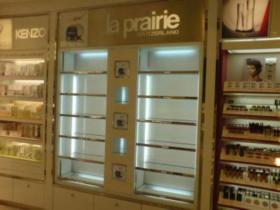 Ladenausbau am Flughafen Paris im Auftrag von ALW Showkonzept